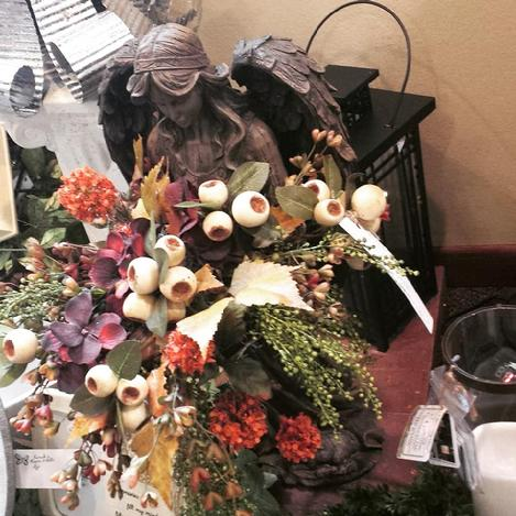 Fall silks,fall open house,autumn decor,manchester iowa delivery,flowers,florist,52057